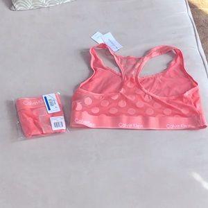 Calvin Klein size XL lingerie set! 👙 💕 💗